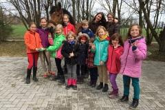 Viele Happy Girls bei der Pony-Freizeit Ostern 2015